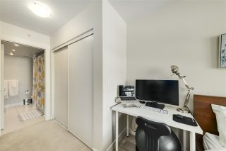 "Photo 14: 702 160 W 3RD Street in North Vancouver: Lower Lonsdale Condo for sale in ""ENVY"" : MLS®# R2542885"