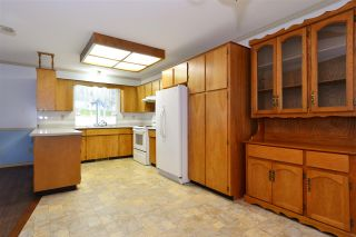 Photo 11: 1927 140A STREET in Surrey: Sunnyside Park Surrey House for sale (South Surrey White Rock)  : MLS®# R2342324