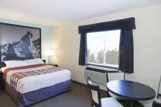 Photo 6: : Strathmore Hotel/Motel for sale : MLS®# A1058562