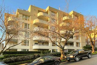 """Photo 23: 401 1406 HARWOOD Street in Vancouver: West End VW Condo for sale in """"JULIA COURT"""" (Vancouver West)  : MLS®# R2568055"""