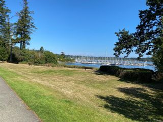 Photo 2: 3260 Beach Dr in : OB Uplands House for sale (Oak Bay)  : MLS®# 880203