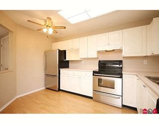 """Photo 3: 109 5955 177B Street in Surrey: Cloverdale BC Condo for sale in """"Windsor Place"""" (Cloverdale)  : MLS®# F2916723"""