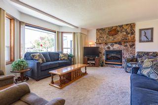 Photo 3: 2026 Hummingbird Pl in : CV Comox (Town of) House for sale (Comox Valley)  : MLS®# 858108