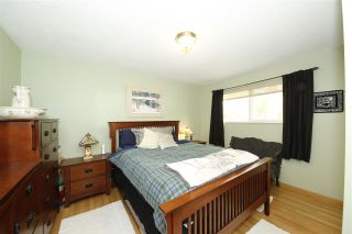 """Photo 11: 41532 RAE Road in Squamish: Brackendale House for sale in """"Brackendale"""" : MLS®# R2133343"""