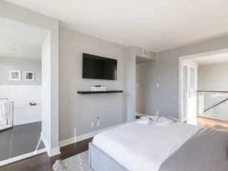 """Photo 26: 2001 1055 RICHARDS Street in Vancouver: Downtown VW Condo for sale in """"Donovan"""" (Vancouver West)  : MLS®# R2555936"""