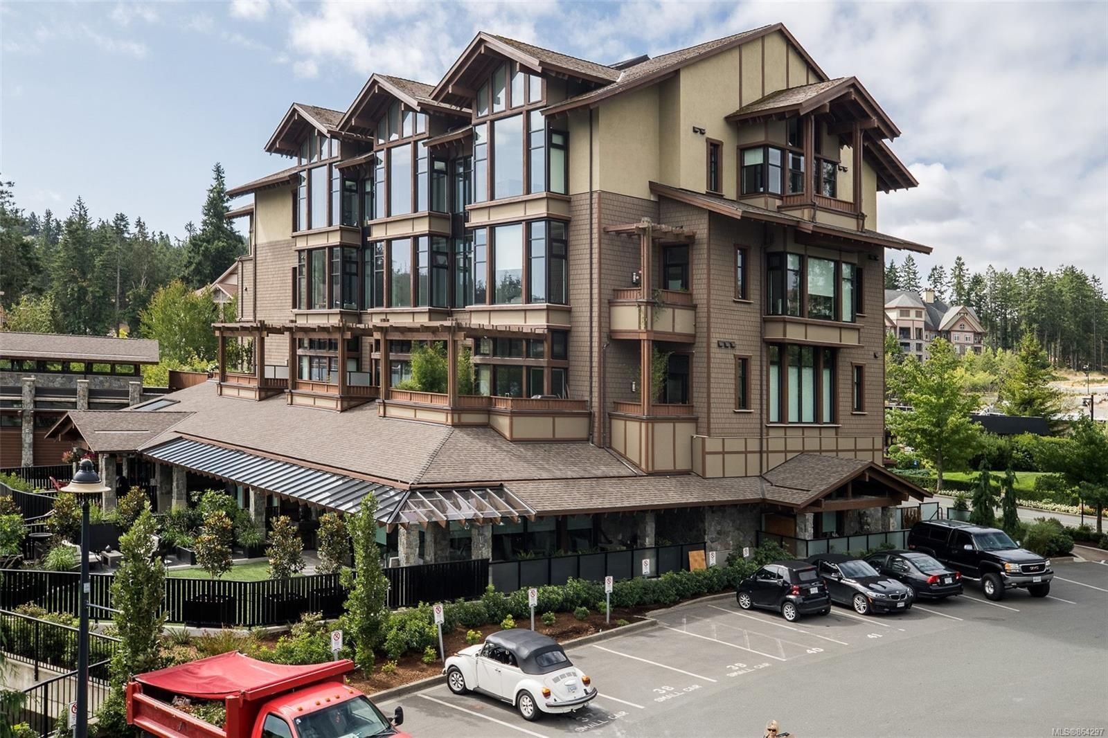 Main Photo: 108 2049 Country Club Way in : La Bear Mountain Condo for sale (Langford)  : MLS®# 864297