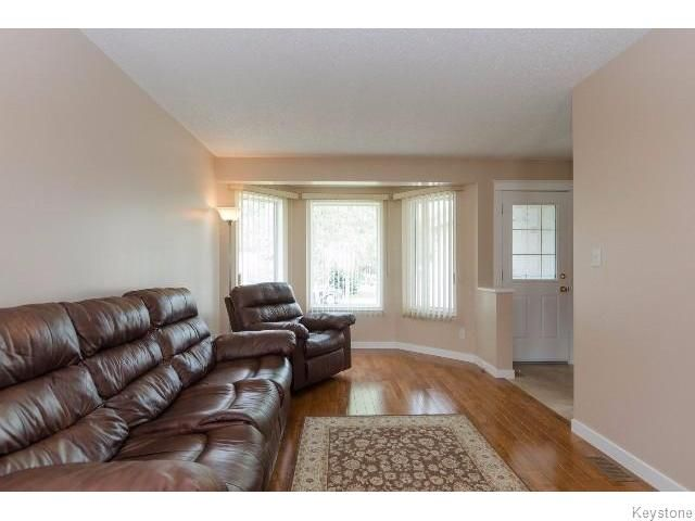 Photo 3: Photos: 167 Dawnville Drive in WINNIPEG: Transcona Residential for sale (North East Winnipeg)  : MLS®# 1519586
