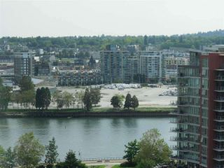 """Photo 3: 1701 68 SMITHE Street in Vancouver: Yaletown Condo for sale in """"One Pacific"""" (Vancouver West)  : MLS®# R2591862"""