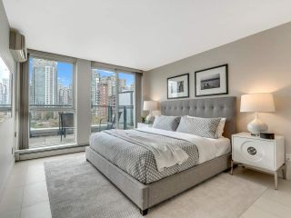 """Photo 16: 801 1383 MARINASIDE Crescent in Vancouver: Yaletown Condo for sale in """"COLUMBUS"""" (Vancouver West)  : MLS®# R2504775"""