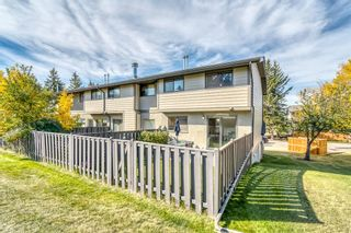 Photo 3: 23 5019 46 Avenue SW in Calgary: Glamorgan Row/Townhouse for sale : MLS®# A1150521