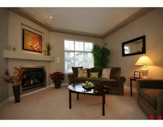 """Photo 2: 35 16760 61ST Avenue in Surrey: Cloverdale BC Townhouse for sale in """"Harvest Landing"""" (Cloverdale)  : MLS®# F2927875"""