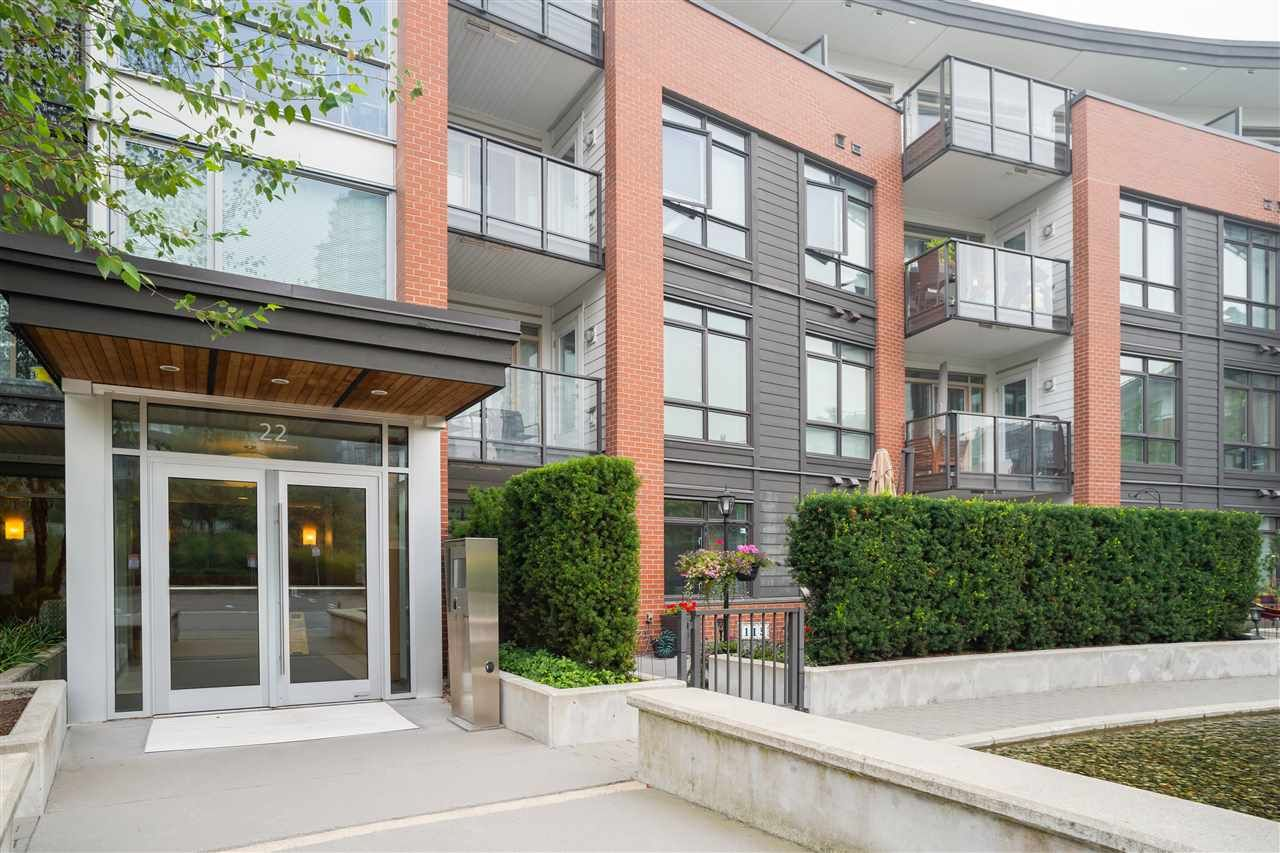 "Main Photo: 321 22 E ROYAL Avenue in New Westminster: Fraserview NW Condo for sale in ""The Lookout - Victoria Hill"" : MLS®# R2498682"