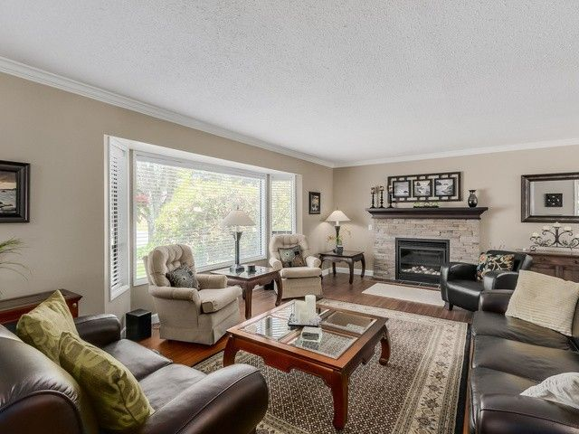 Photo 3: Photos: 19968 39A Avenue in Langley: Brookswood Langley House for sale : MLS®# F1440613