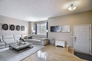 Photo 3: 25 8403 164 Avenue in Edmonton: Zone 28 Townhouse for sale : MLS®# E4253838