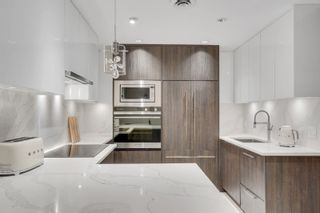 Photo 1: 896 HAMILTON Street in Vancouver: Downtown VW Townhouse for sale (Vancouver West)  : MLS®# R2621491