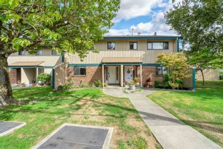 """Photo 1: 36 5850 177B Street in Surrey: Cloverdale BC Townhouse for sale in """"Dogwood Gardens"""" (Cloverdale)  : MLS®# R2613393"""