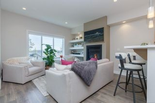 Photo 4: 2213 Echo Valley Rise in : La Bear Mountain Row/Townhouse for sale (Langford)  : MLS®# 869448