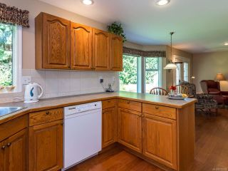 Photo 5: 1017 Kingsley Cres in COMOX: CV Comox (Town of) House for sale (Comox Valley)  : MLS®# 785781