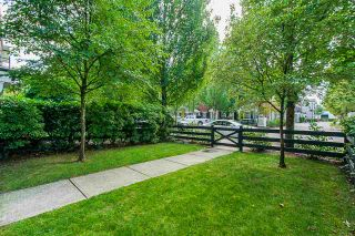 """Photo 20: 17 11060 BARNSTON VIEW Road in Pitt Meadows: South Meadows Townhouse for sale in """"COHO"""" : MLS®# R2398399"""