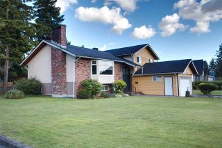 Photo 4: 2022 PAULUS Crescent in Burnaby: Montecito House for sale (Burnaby North)  : MLS®# R2590860