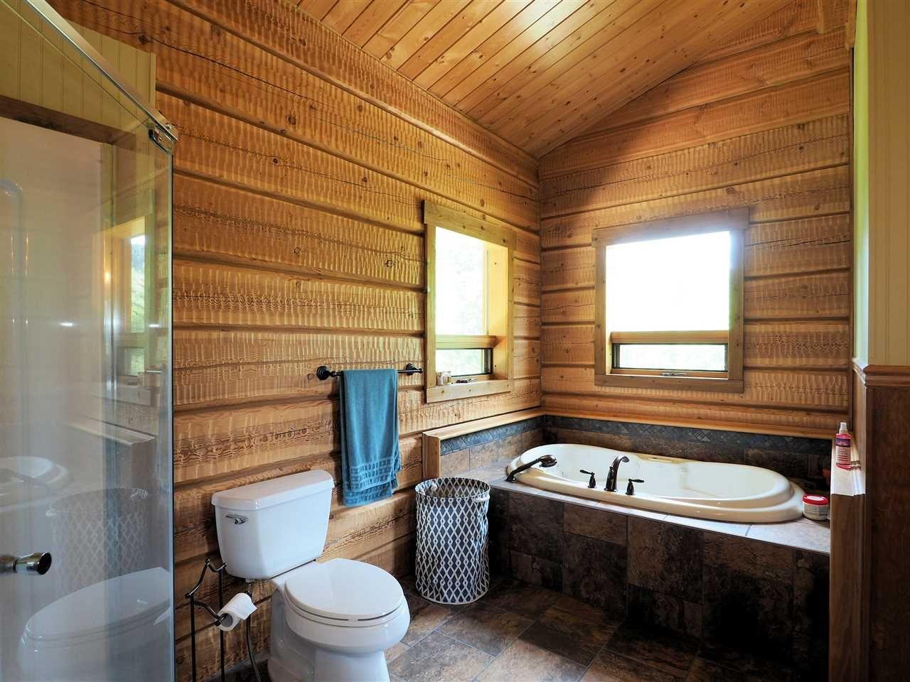 Photo 14: Photos: 4050 CANIM-HENDRIX LAKE Road in Canim Lake: Canim/Mahood Lake House for sale (100 Mile House (Zone 10))  : MLS®# R2396282