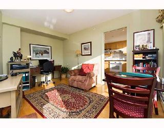 "Photo 10: 605 1383 MARINASIDE Crescent in Vancouver: False Creek North Condo for sale in ""COLUMBUS"" (Vancouver West)  : MLS®# V685162"
