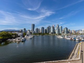 """Photo 24: 1128 IRONWORK PASSAGE in Vancouver: False Creek Townhouse for sale in """"SPRUCE VILLAGE"""" (Vancouver West)  : MLS®# R2382408"""
