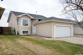 Photo 3: 411 Overholt Crescent in Saskatoon: Arbor Creek Residential for sale : MLS®# SK852557