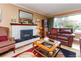 Photo 4: 1891 Hillcrest Ave in VICTORIA: SE Gordon Head House for sale (Saanich East)  : MLS®# 753253