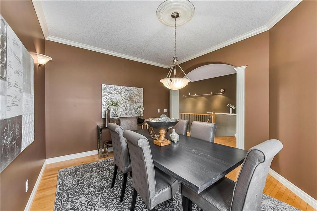 Photo 9: Photos: 73 DISCOVERY WOODS Villa SW in Calgary: Discovery Ridge Semi Detached for sale : MLS®# C4218779