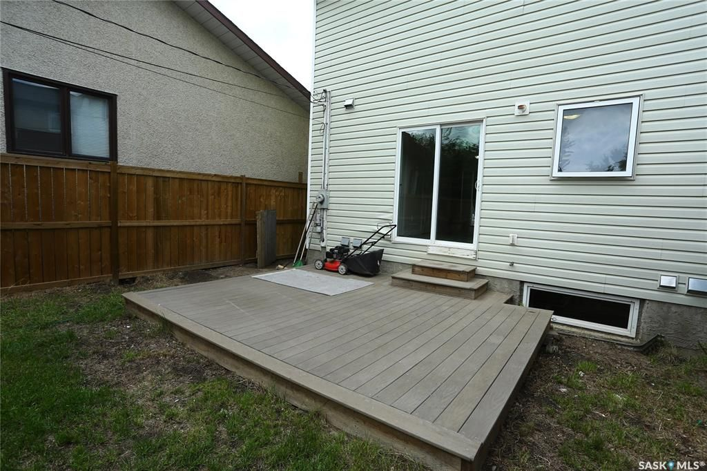 Photo 46: Photos: 131B 113th Street West in Saskatoon: Sutherland Residential for sale : MLS®# SK778904