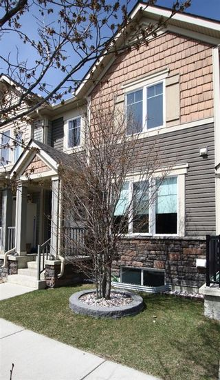 Photo 2: 3009 Windsong Boulevard SW: Airdrie Row/Townhouse for sale : MLS®# A1099332