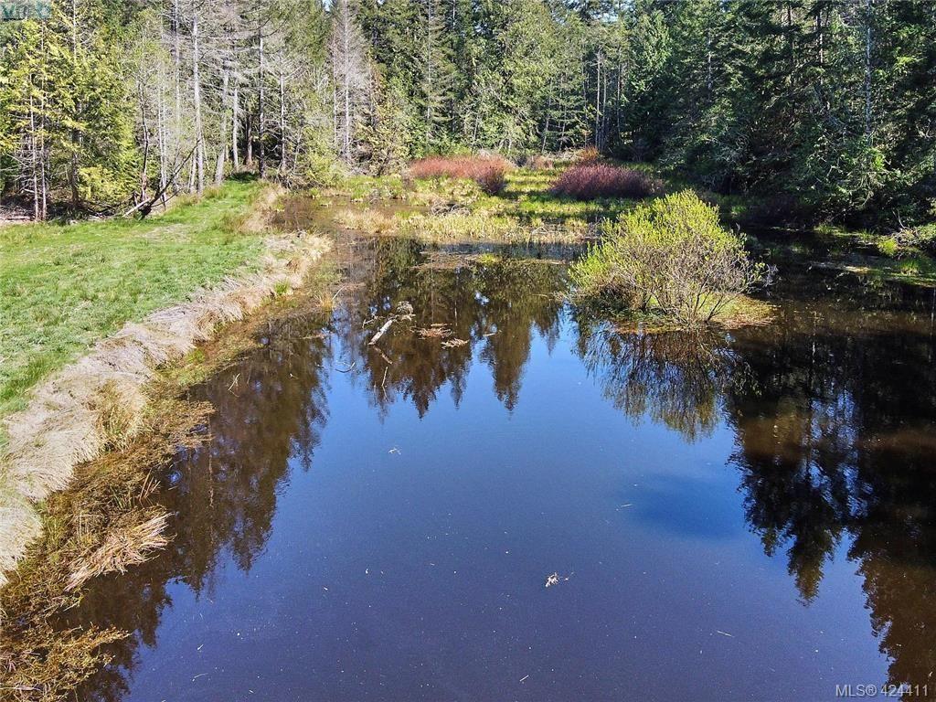 Photo 5: Photos: 202 1631 Dufferin Cres in SALT SPRING ISLAND: Na Central Nanaimo Condo for sale (Nanaimo)  : MLS®# 759373