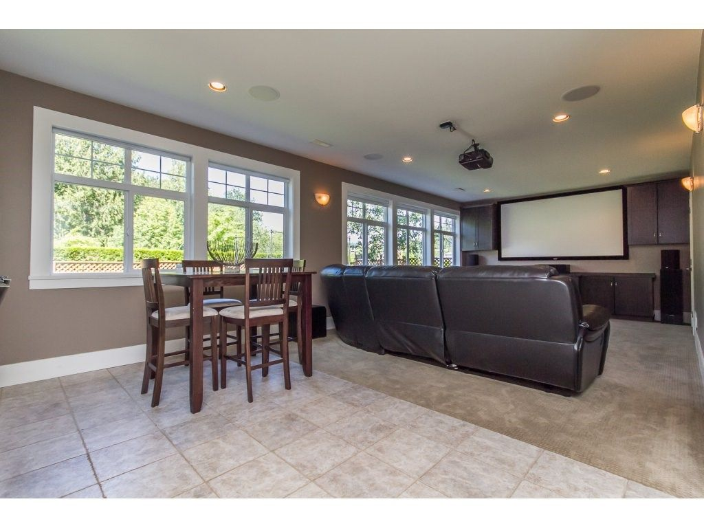 Photo 16: Photos: 4354 BLAUSON Boulevard in Abbotsford: Abbotsford East House for sale : MLS®# R2096025