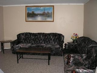 Photo 6: 11 Dzyndra Cres: Residential for sale (Missions Gardens)  : MLS®# 2700558