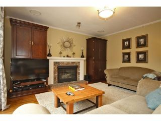 Photo 2: 6524 CLAYTONHILL GR in Surrey: Cloverdale BC House for sale (Cloverdale)  : MLS®# F1309321