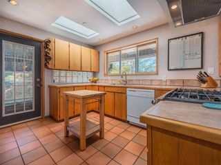 Photo 9: 5220 CLAYDON Road in Garden Bay: Pender Harbour Egmont House for sale (Sunshine Coast)  : MLS®# R2573318