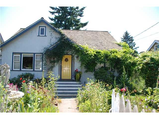 "Main Photo: 1932 DUBLIN Street in New Westminster: West End NW House  in ""WESTEND"" : MLS®# V841512"