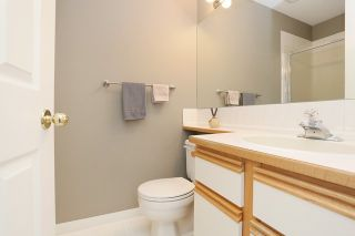 Photo 15: 6048 189A Street in Surrey: Cloverdale BC House for sale (Cloverdale)  : MLS®# R2054243