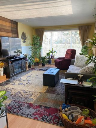 Photo 2: 7 5931 N Island Hwy in : Na Pleasant Valley Manufactured Home for sale (Nanaimo)  : MLS®# 865646