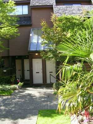 """Photo 8: 3317 MOUNTAIN Highway in North Vancouver: Lynn Valley Townhouse for sale in """"VILLAGE ON THE CREEK"""" : MLS®# V613638"""