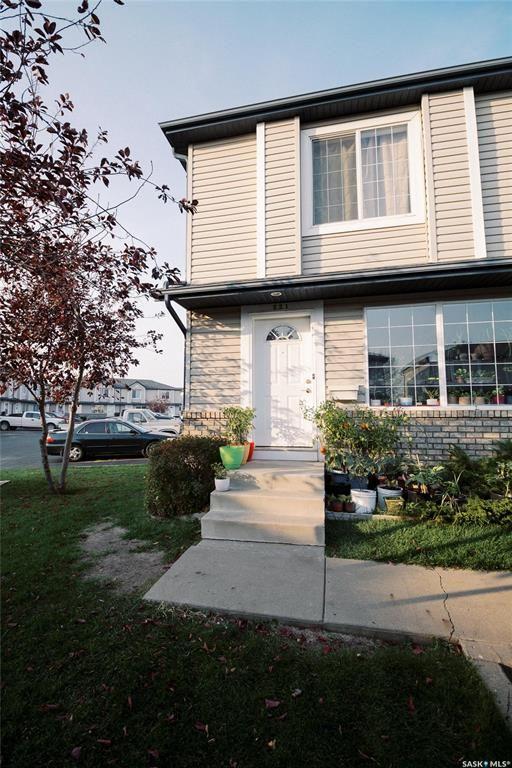 Main Photo: 221 670 Kenderdine Road in Saskatoon: Arbor Creek Residential for sale : MLS®# SK872551