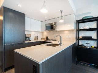 """Photo 7: 303 538 W 7TH Avenue in Vancouver: Fairview VW Condo for sale in """"CAMBIE +7"""" (Vancouver West)  : MLS®# R2332331"""
