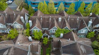 """Photo 2: 11 2688 MOUNTAIN Highway in North Vancouver: Westlynn Townhouse for sale in """"Craftsman Estates"""" : MLS®# R2576521"""