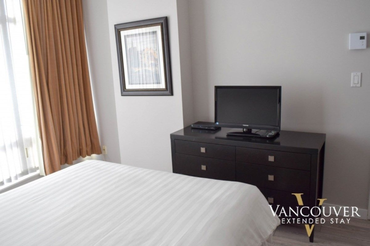 """Photo 8: Photos: 601 1200 ALBERNI Street in Vancouver: West End VW Condo for sale in """"THE PALISADES"""" (Vancouver West)  : MLS®# R2410419"""