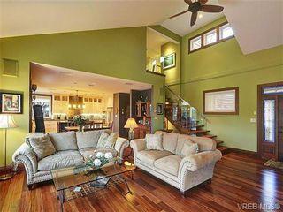 Photo 4: 922 W Garthland Place in VICTORIA: Es Kinsmen Park Residential for sale (Esquimalt)  : MLS®# 331905