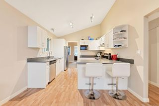 Photo 9: 6 4165 Rockhome Gdns in : SE High Quadra Row/Townhouse for sale (Saanich East)  : MLS®# 866458