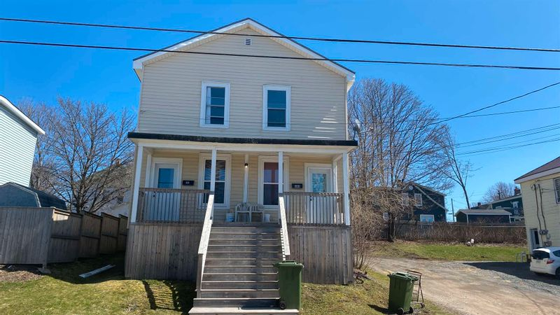 FEATURED LISTING: 484 Macdonald New Glasgow