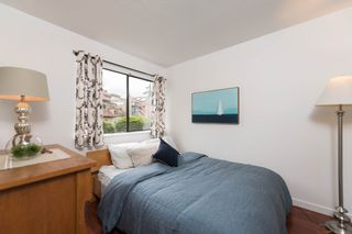 """Photo 21: 4304 NAUGHTON Avenue in North Vancouver: Deep Cove Townhouse for sale in """"COVE GARDEN TOWNHOUSES"""" : MLS®# R2179628"""