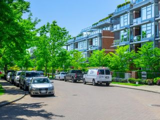 Photo 25: 203 380 Waterfront Cres in : Vi Rock Bay Condo for sale (Victoria)  : MLS®# 876903